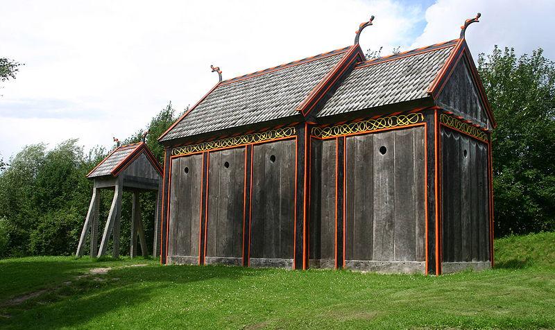 Trækirke opført på Moesgård Museum